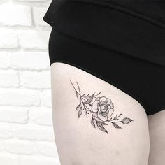Maybe you've been wanting a tattoo on your thigh for some time now or maybe it's just one of the many places you're considering for some ink. If small tattoos Small Thigh Tattoos, Small Tattoo Placement, Small Tattoos For Guys, Tattoo Thigh, Tigh Tattoo, Tattoo On, Piercing Tattoo, Cute Tattoos, Beautiful Tattoos