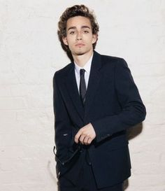 Robert Sheehan sexy beast or what