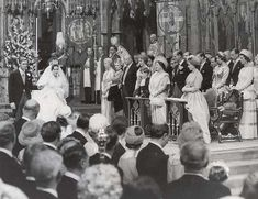 Princess Margaret and photographer Antony Armstrong-Jones on their wedding day at Westminster Abbey on 6 May 1960.