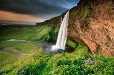 Seljalandsfoss waterfall of Iceland