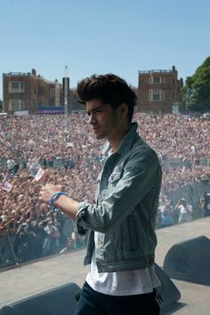 Zayn...why must you do this to me!