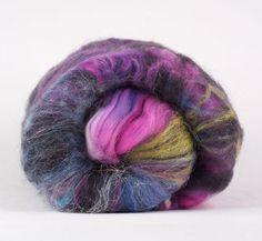 Wool and fibers batt for spinning