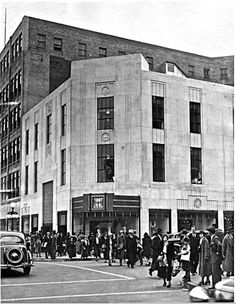Holiday Shoppers  Thalhimer's Dept. Store    1936    Richmond Virginia