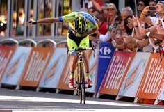 Take a bow dude! Nice celebration from Mick Rogers on stage 16.
