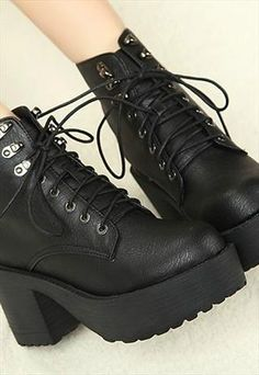 £24 90S LACE UP GRUNGE PUNK ROCK PLATFORM ANKLE BOOTS