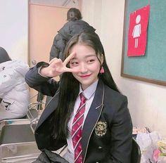 School Uniform Fashion, School Girl Outfit, School Uniform Girls, Korean Girl Photo, Korean Girl Fashion, Korean Boy Hairstyle, Skinny Girl Body, Korean Student, Girls In Mini Skirts