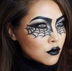 Spinnen-Make-up für Karneval oder Halloween. Halloween Eye Makeup, Halloween Looks, Halloween Costumes, Witch Costumes, Halloween Halloween, Vintage Halloween, Halloween Make Up Ideas, Facepaint Halloween, Beautiful Halloween Makeup