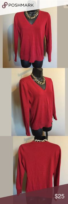 """Vineyard Vines Red V-Neck 100% Cotton Sweater S Vineyard Vines Red V-Neck 100% Pima Cotton Sweater Whale Logo  Size small Approx. measurements: Bust- 18.5"""" Sleeve- 23"""" Length- 23"""" Excellent pre-loved condition!  *Necklace not included in this listing.    Contact Me- If you have any questions please feel free to contact me anytime. Vineyard Vines Sweaters V-Necks"""