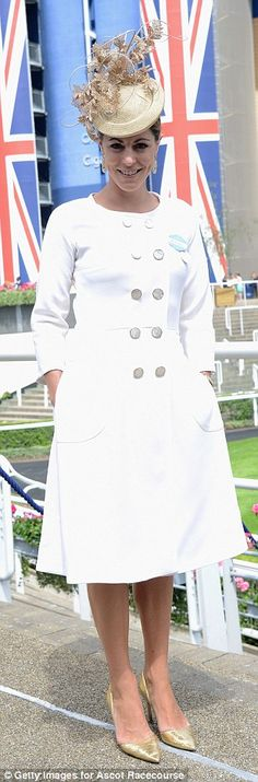 Sports presenter Aly Vance looked smart in a tailored white dress with silver buttons. Ascot Outfits, Derby Outfits, Kentucky Derby Outfit, Sports Presenters, Duchess Of York, Royal Ascot, White Dress, Glamour, Silver Buttons