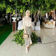 Kebaya Lace, Kebaya Dress, Batik Kebaya, Batik Dress, Hijab Dress, Kebaya Modern Hijab, Kebaya Hijab, Kebaya Muslim, Muslim Fashion
