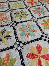 Sashing idea for sampler quilt. A Quilting Life - County Fair Quilting Tutorials, Quilting Projects, Quilting Designs, Art Quilting, Quilting Board, Modern Quilting, Quilting Tips, Quilting Fabric, Sampler Quilts