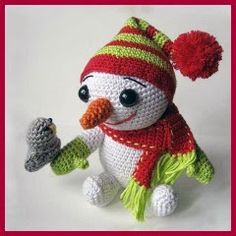 Hombre de nieve con pajarito amigurumi