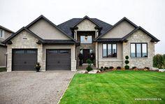 ideas exterior paint colors for house trim dark House Paint Exterior, Exterior House Colors, Exterior Design, Black Trim Exterior House, House Trim, Stucco Paint, Door Design, Black Windows Exterior, Stucco House Colors