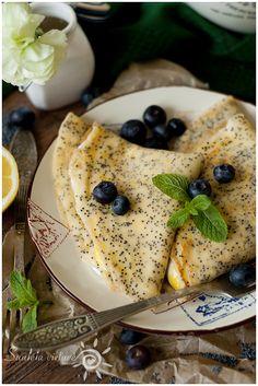 Lemon poppyseed pancakes with cream chease and lemon curd filling
