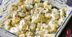 Mijn man houdt van hartig beleg op brood, helemaal naar werk. Eiersalade vinden we allebei erg lekker. Ik word alleen niet zo vrolijk van alle onnodige toevoegingen als je een bakje eiersalade in de winkel koopt. Ik trok voor de grap eens een niet nader te noemen A-merk uit het schap in de supermarkt. Meer… Classic Egg Salad Recipe, Best Egg Salad Recipe, Salad Recipes, Healthy Egg Salad, Avocado Egg Salad, Deviled Egg Salad, Low Carb Recipes, Healthy Recipes, Toast