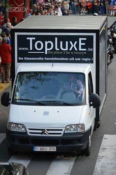Wie kan adverteren op TopluxE ?