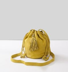Sac bourse en cuir suédé Femme jaune - Promod