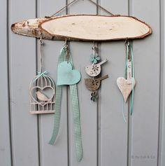 Fensterdeko  ~ Frühling ~  von Euliundco auf DaWanda.com Yule Crafts, Holiday Crafts, Hobbies And Crafts, Diy And Crafts, Arts And Crafts, Twig Art, Welcome Home Signs, Inspiration Artistique, Wreaths And Garlands