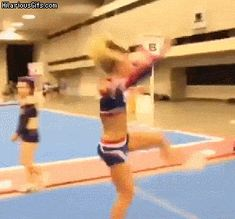 Cheerleader back flip reality vs expectations