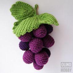 diy yarn crafts step by step - diy yarn crafts ; diy yarn crafts for kids ; diy yarn crafts to sell ; diy yarn crafts no sew ; diy yarn crafts step by step Crochet Fruit, Crochet Toys, Crochet Flowers, Diy Flowers, Knitting Needle Case, Knitting Yarn, Easy Diy Crafts, Yarn Crafts, Friend Crafts