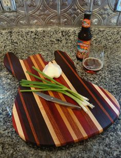 Bloodwood & Peruvian Black Walnut - Handmade Wood Jazzy Bass Guitar Cutting Board
