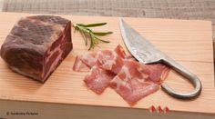 Bündner Coppa von Brügger Parpan, Anbieter von Trockenfleisch Spezialitäten. Butcher Block Cutting Board, Foods, Products