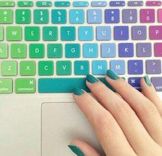 Un plus!!!!! Color- teclado+uñas! DIVINO