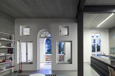 Stahlträger und Betondecke treffen auf Luxus Stadtvilla