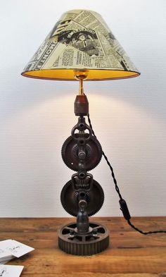 Lampe industrielle  Industrial lamp  par AtelierDeLuminaires