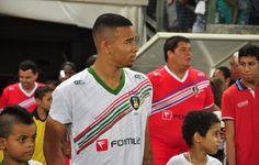 Gabriel Jesus nega saída do Palmeiras e fala sobre amizade com Ronaldo