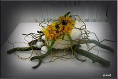 easter spring flower decoration eggs