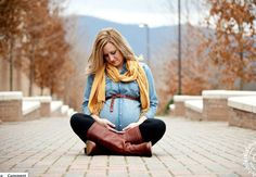 Love her outfit. Perfect for maternity! |ARB