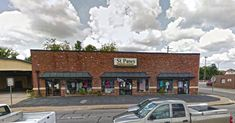 8. St. Paws Thrift Store - 304 12th St, West Columbia, SC 29169