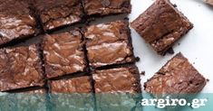 Υγρό κέικ σοκολάτας από την Αργυρώ Μπαρμπαρίγου | Εύκολο ζουμερό σοκολατένιο κέικ. Χρησιμοποιήστε το και σαν βάση για τούρτα. Υπέροχο αποτέλεσμα!