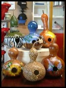 great gourd birdhouses. Nice site with great gourd work among other nice crafts.  ...MKL...