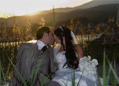 Fotograf: forever-digital Fotostudio. Hochzeitsfotograf Kärnten. Hochzeitsfotos Brautpaar im Freien, am See. Mehr: http://hochzeits-fotograf.info/hochzeitsfotograf/forever-digital-fotostudio#Fotos