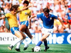 Italy 3 Brazil 2 in 1982 in Barcelona. Marco Tardelli takes on Zico in Round Group C at the World Cup Finals. Kids Soccer, Football Soccer, Fifa, 1982 World Cup, Women's Cycling Jersey, Cycling Jerseys, Esquire Uk, Cycling Quotes, Cycling Art