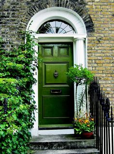Personalize Your Front Door With Paint Colors - This Old House Cottage Style Doors, Cottage Front Doors, Green Front Doors, Cottage Door, House Front Door, Front Door Decor, Colored Front Doors, Front Porch, Best Front Doors