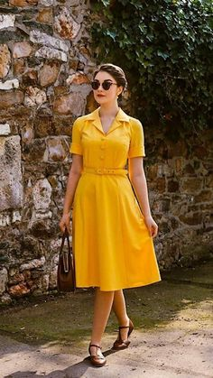 Vintage Inspired Outfits, Retro Outfits, Modest Outfits, Classy Outfits, Modest Fashion, Vintage Outfits, Fashion Outfits, Womens Fashion, Vintage Black Glamour