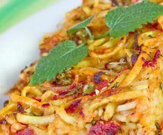 Un pietanza davvero unica della tradizione napoletana: la crostata di tagliolini è un primo piatto abbondante, arricchito da ingredienti sfiziosi e saporiti.