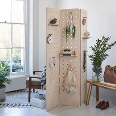 Pegboard Room Divider Folding Screen – Kreisdesign Folding Screen Room Divider, Diy Room Divider, Room Screen, Folding Screens, Small Living Room Storage, Small Living Rooms, Separating Rooms, Furniture For Small Spaces, Diy Furniture