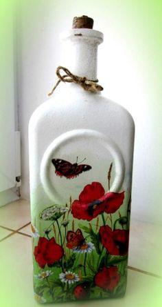Botella blanca con decoupage hecho con servilleta de papel
