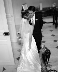 Classic Black & White Wedding Shot - by Bénédicte Verley Photography - first meeting of couple in stairs at The Glen Manor in Portsmouth Rhode Island