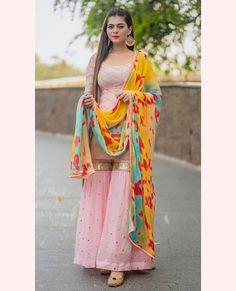 Indian Dresses For Women, Simple Pakistani Dresses, Indian Fashion Dresses, Indian Outfits, Punjabi Fashion, New Dress Design Indian, Dress Indian Style, Pakistani Dress Design, Sharara Designs