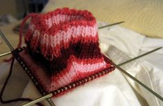 Self Striping Yarn. How to measure and dye your own yarn. Gotta try this when I have time!!