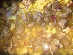 Ficatei de pui cu cartofi, la cuptor - CAIETUL CU RETETE Shrimp, Cooking Recipes, Food, Chef Recipes, Essen, Meals, Yemek, Eten
