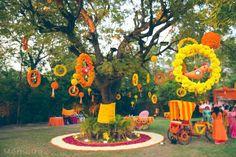 Traditional Indian Wedding, Gujarati wedding , Shrava and Ridhi pretty wedding in Ahmedabad Wedding Hall Decorations, Desi Wedding Decor, Marriage Decoration, Wedding Mandap, Backdrop Decorations, Flower Decorations, Backdrop Wedding, Wedding Dresses, Wedding Reception