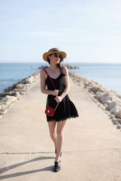 Le perfect lbd and that hat!! I want that hat!