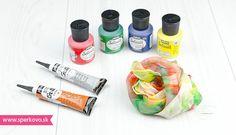 Maľba na hodváb návod. Pomocou farieb na hodváb si dokážete aj v pohodlí domova a bez akýchkoľvek maliarskych zručností vyrobiť originálnu šatku alebo...