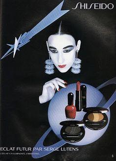 Me in Shiseido Autome/Hiver 1990 Campaign by Serge Lutens, Paris, France Vintage Advertisements, Vintage Ads, Vintage Posters, Makeup Vintage, Vintage Beauty, Beauty Ad, Dark Beauty, Beauty Room, Serge Lutens Makeup